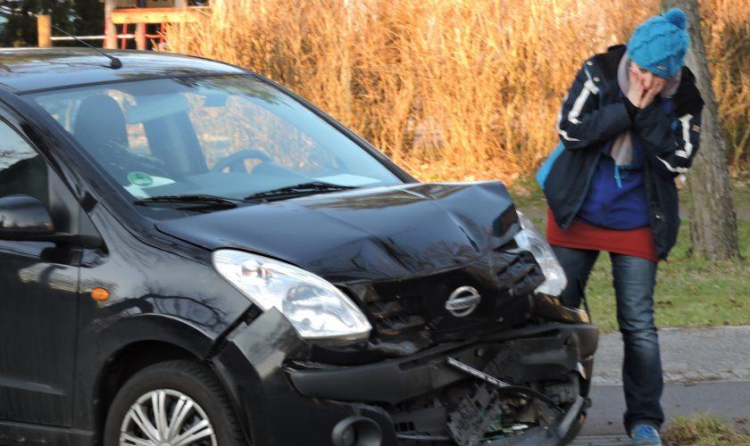 Unfallgeschädigter Kfz-Unfall Totalschaden Personenschaden Schmerzensgeld