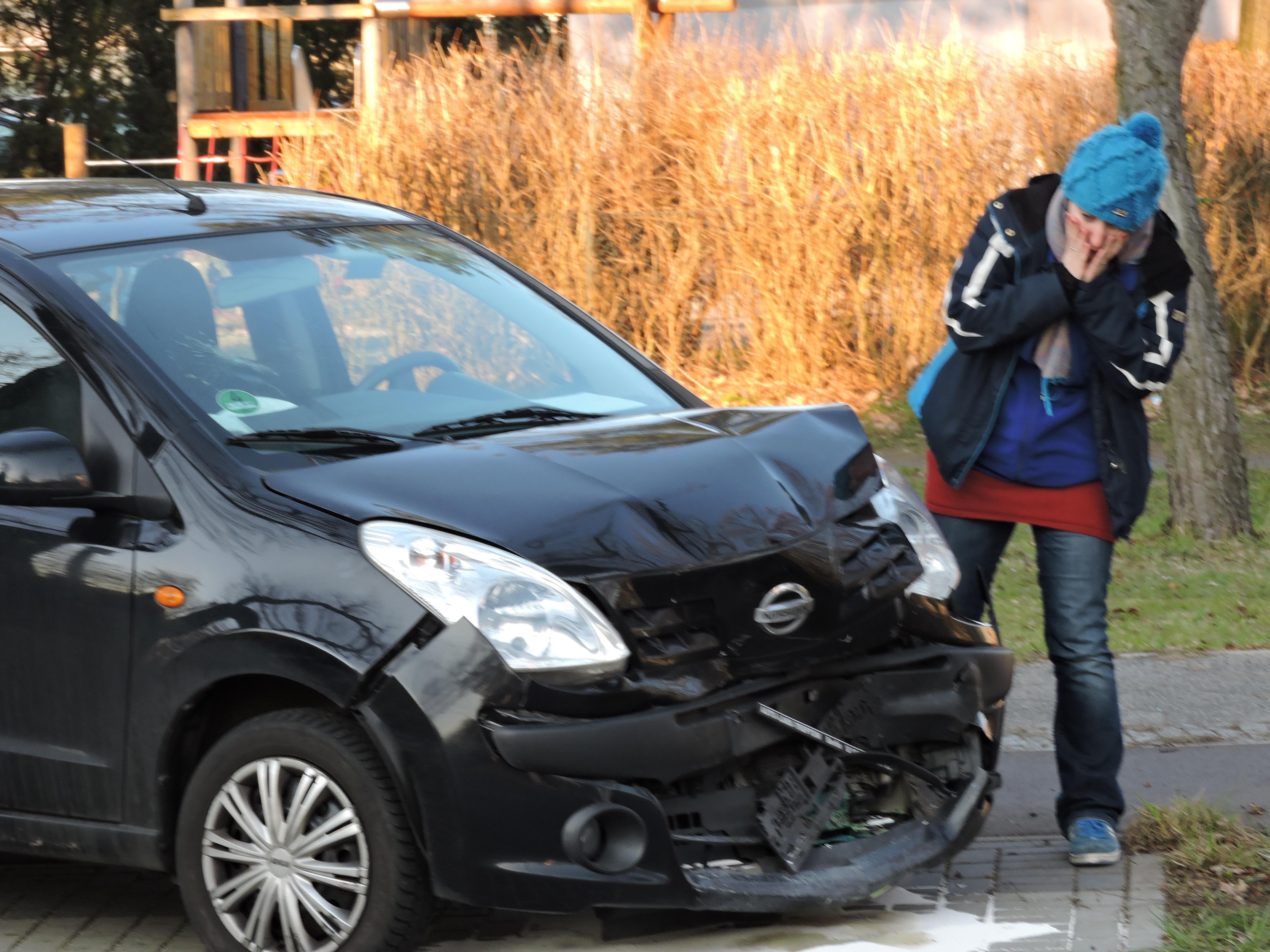 Verkehrsunfall Totalschaden Wiederbeschaffungswert Wiederbeschaffungsaufwand Schadensersatz geltend machen einklagen